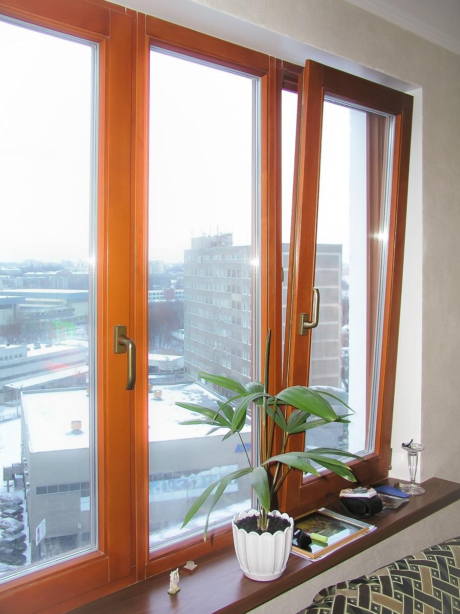 фото деревянные окна в кваритру 1