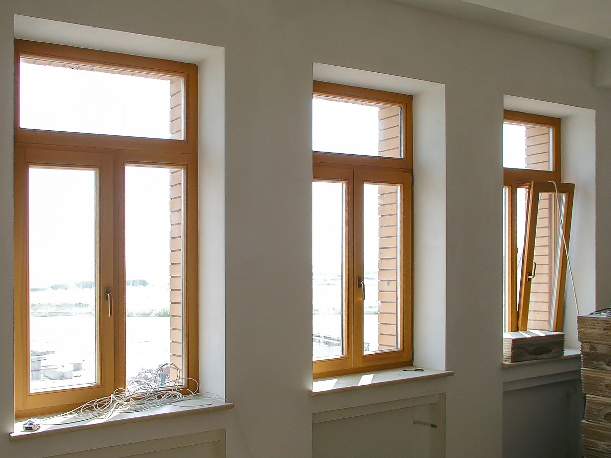 фото деревянные окна в кваритру 2