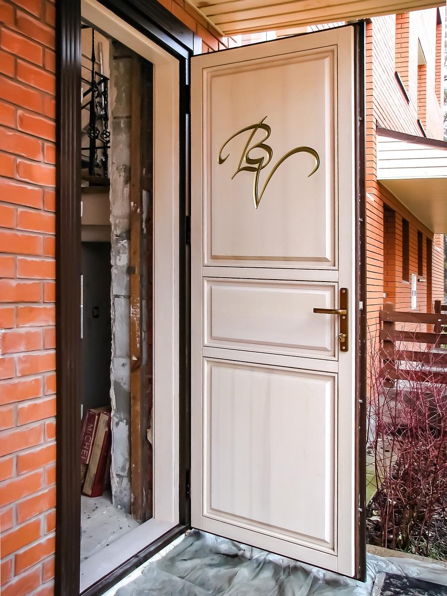 фото входные деревянные двери 3